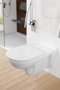 Gut gestalteter Toilettenplatz mit klappbarem Stützgriff. Foto: Villeroy & Boch